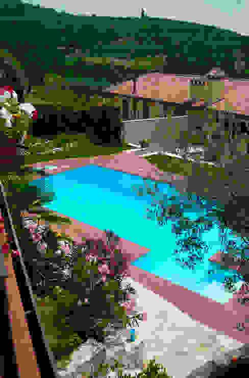 Ristrutturazione Villa a verona Piscina in stile in stile classico di STEFANIA ARREDA Classico