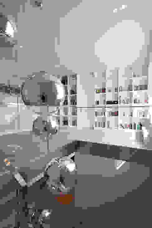 Коридор, прихожая и лестница в модерн стиле от Katarzyna Kraszewska Architektura Wnętrz Модерн