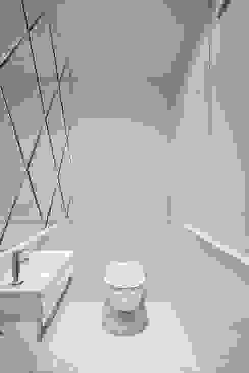 Mieszkanie Wilanów Klasyczna łazienka od Katarzyna Kraszewska Architektura Wnętrz Klasyczny