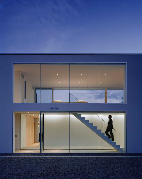 Casas estilo moderno: ideas, arquitectura e imágenes de 株式会社 小林恒建築研究所 Moderno