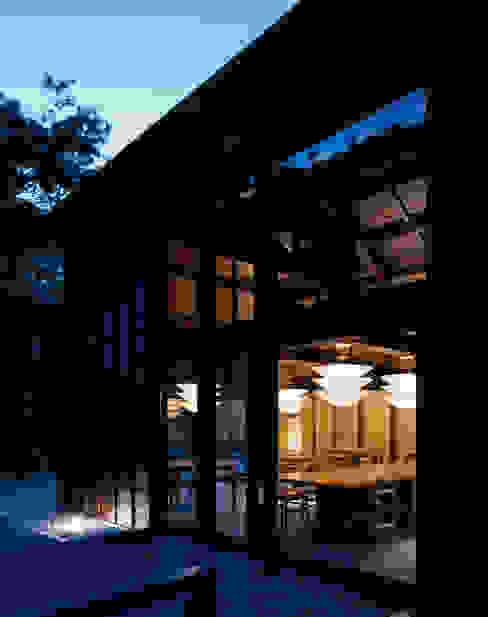 芦屋川むら玄 和風デザインの テラス の 株式会社 小林恒建築研究所 和風
