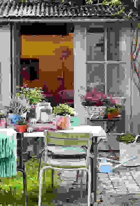 Classic style garden by Pflanzenfreude.de Classic
