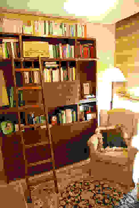 Estudio Biblioteca Rosa Sánchez Arquitectura de interior Estudios y despachos de estilo ecléctico