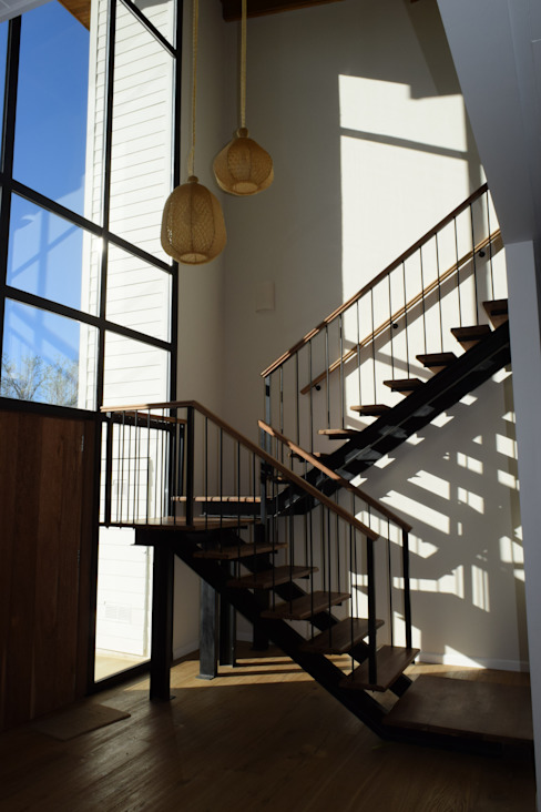 Koridor dan lorong oleh 2424 ARQUITECTURA, Modern Kayu Wood effect