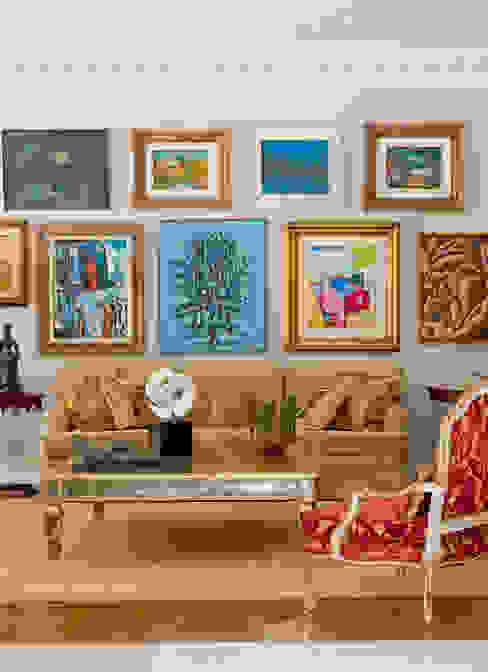 Salones clásicos de Allan Malouf Arquitetura e Interiores Clásico