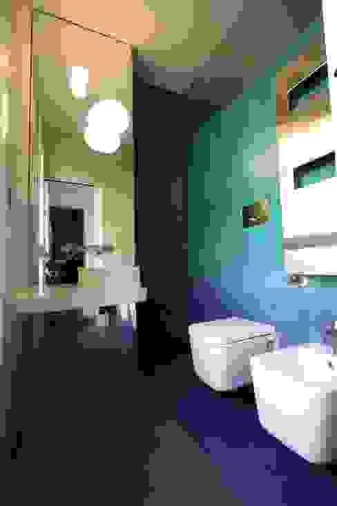 Progetto Modern bathroom by Miko design Modern