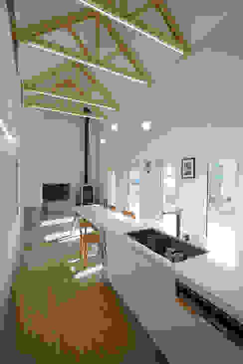 Столовая комната в стиле модерн от ADMOBE Architect Модерн