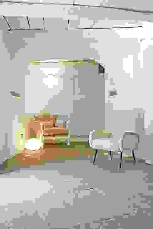 RISTRUTTURAZIONE CASA A TORRE DEL 500 Ingresso, Corridoio & Scale in stile scandinavo di MBA MARCELLA BRUGNOLI ARCHITETTO Scandinavo