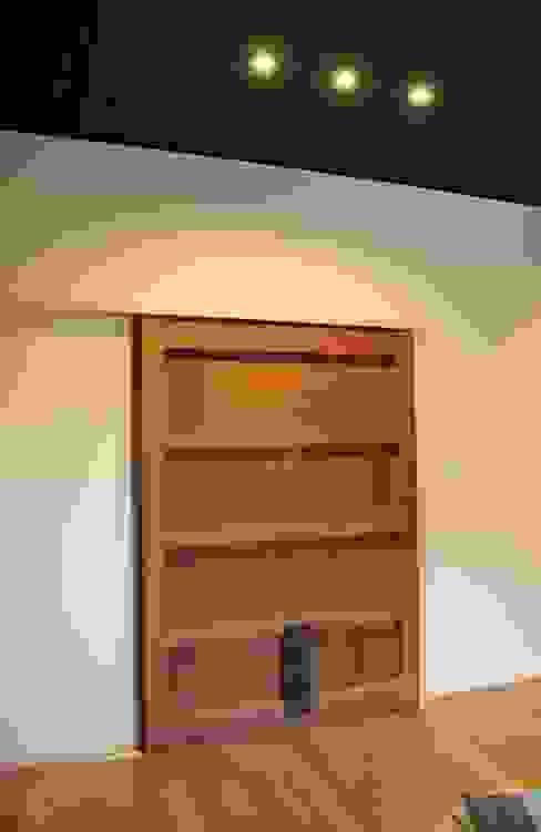 「曲がり土間の家」 アジア・和風の 窓&ドア の 尾脇央道(重川材木店) 和風