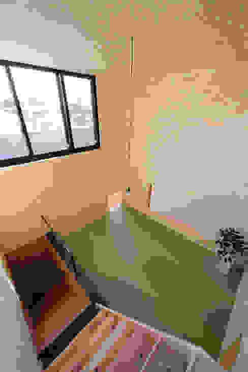 綱島の住宅 ミニマルデザインの 多目的室 の 山本晃之建築設計事務所 ミニマル 合板(ベニヤ板)