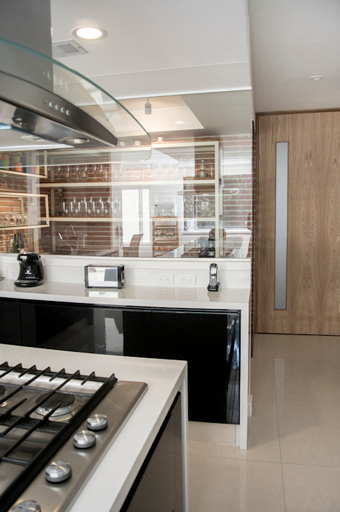 Modern kitchen by KDF Arquitectura Modern