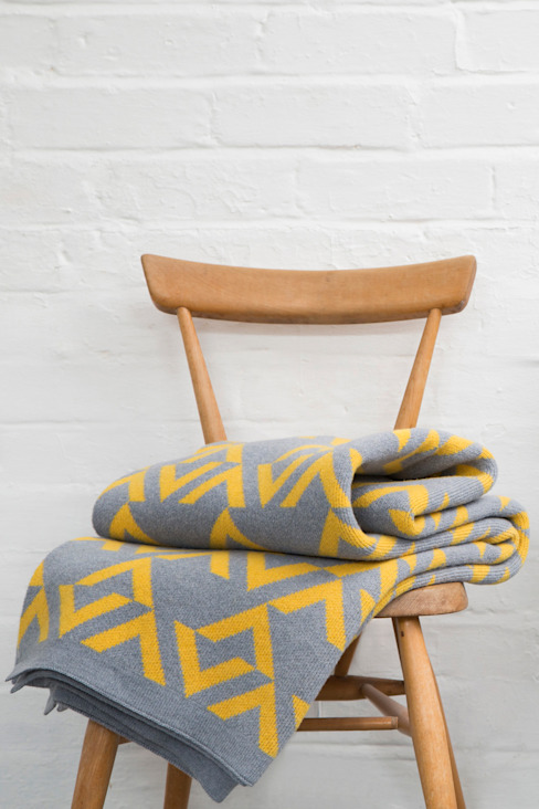 Geo blanket:  Living room by Seven Gauge Studios