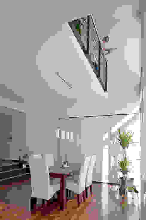 Salones de estilo  de Hauptvogel & Schütt Planungsgruppe, Moderno