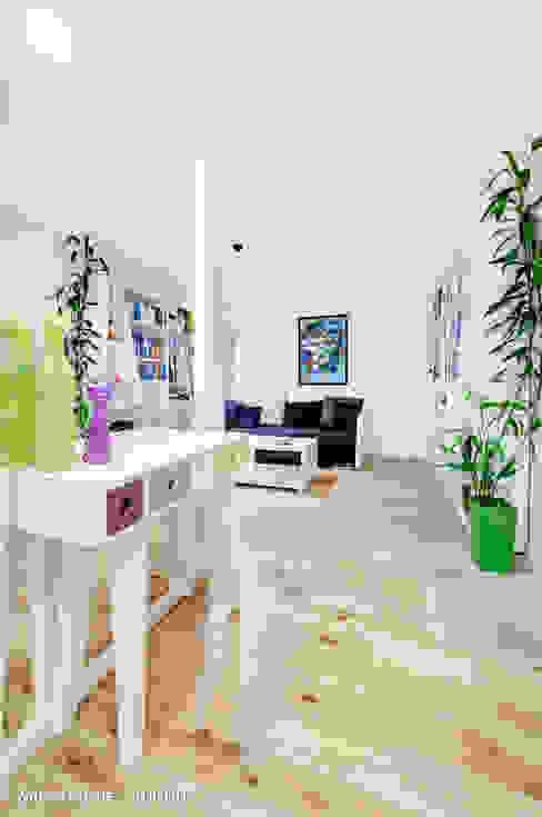 mieszkanie na Felinie Lublin Rustykalny korytarz, przedpokój i schody od Auraprojekt Rustykalny