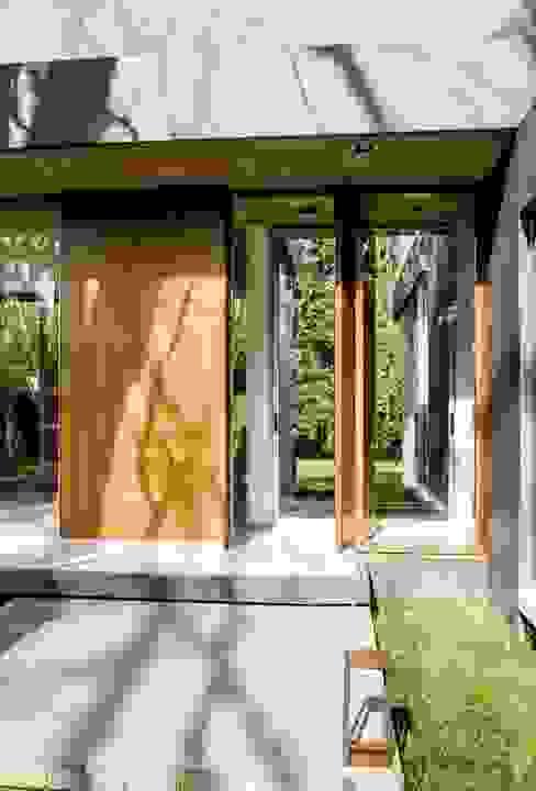 Casa AP Balcones y terrazas modernos: Ideas, imágenes y decoración de Felipe Gonzalez Arzac Moderno