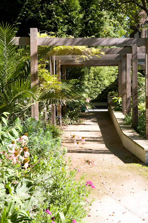 KSR Architects | Compton Avenue | Garden path Jardins modernos por KSR Architects Moderno