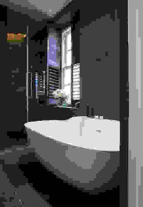 Bathroom by KSR Architects, Modern