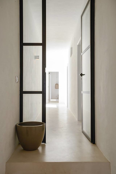 Mediterranean style corridor, hallway and stairs by homify Mediterranean