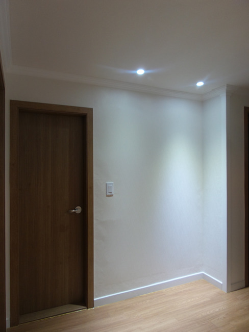 상봉 LG쌍용아파트 27PY: 디자인 컴퍼니 에스의  침실,모던
