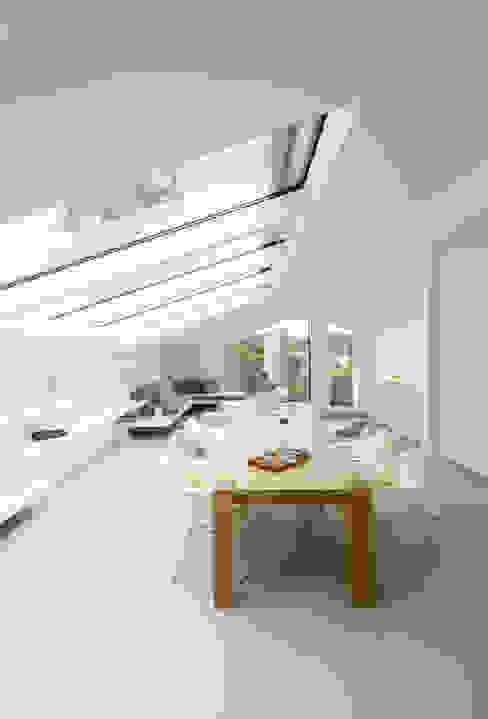 Salon de style  par Karl Kaffenberger Architektur | Einrichtung, Moderne