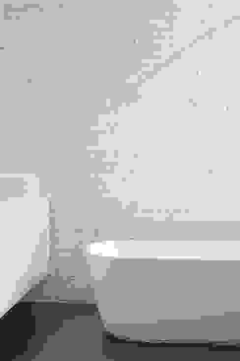 Ванная комната в эклектичном стиле от Alex Gasca, architects. Эклектичный