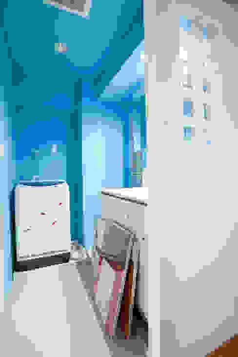 Industrial style bathrooms by 株式会社インテックス Industrial