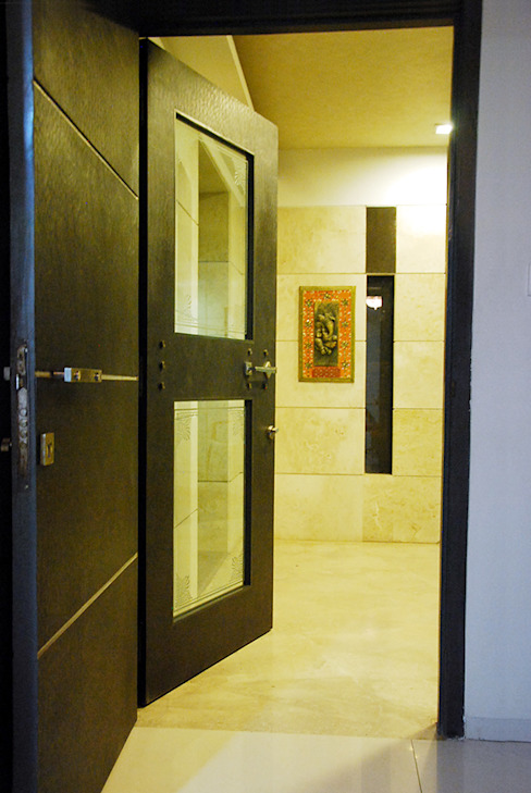 Subtle Harmony Modern corridor, hallway & stairs by Sneha Samtani I Interior Design. Modern