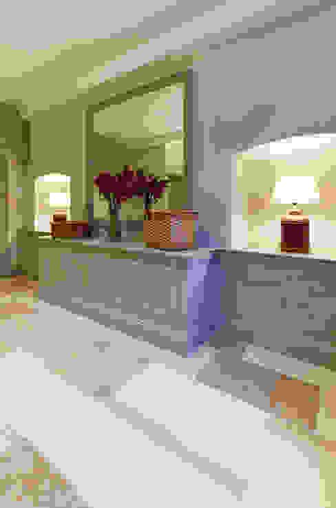 Projekty,  Korytarz, przedpokój zaprojektowane przez Etons of Bath, Klasyczny