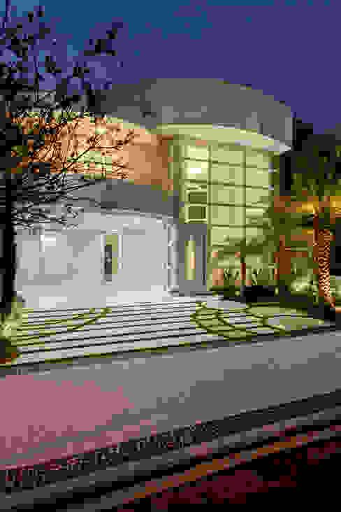 Casas modernas: Ideas, diseños y decoración de Arquiteto Aquiles Nícolas Kílaris Moderno Concreto