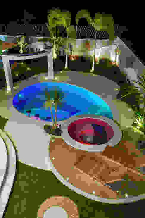 Arquiteto Aquiles Nícolas Kílaris Moderne Pools