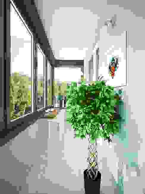 Современная квартира для современной семьи Балкон в скандинавском стиле от MEL design Скандинавский
