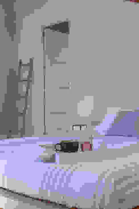 Asun Tello Dormitorios de estilo moderno de Asun Tello Moderno