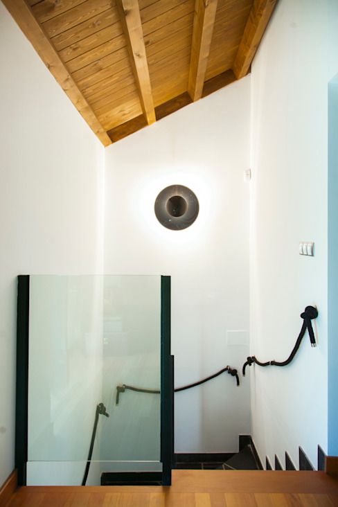 Projekty,  Korytarz, przedpokój zaprojektowane przez Belén Sueiro, Nowoczesny