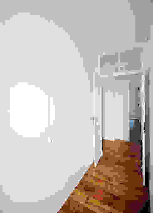 Apartamento Lisboa Closets ecléticos por Colectivo ODD Eclético