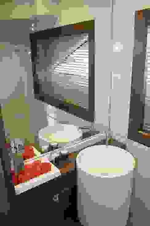 Yacht Custom Line 100:   por Silvia Costa |  Arquitectura de Interiores,Moderno