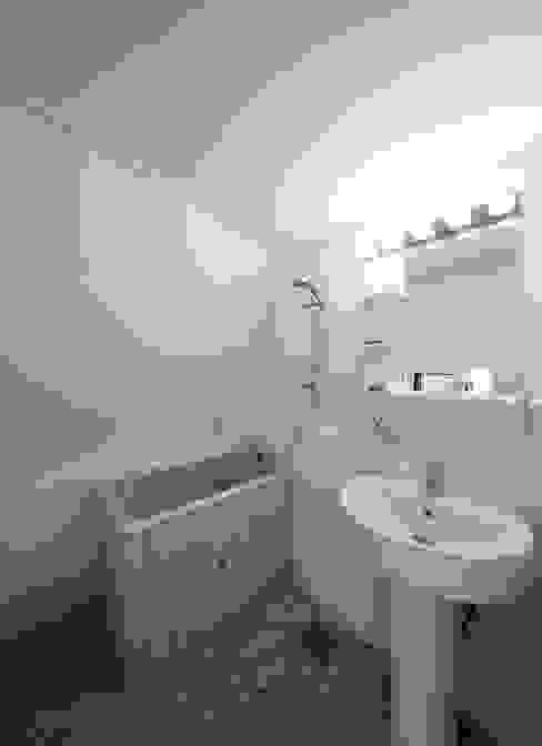 The Grigo 모던스타일 욕실 by 토맥건축사사무소 모던