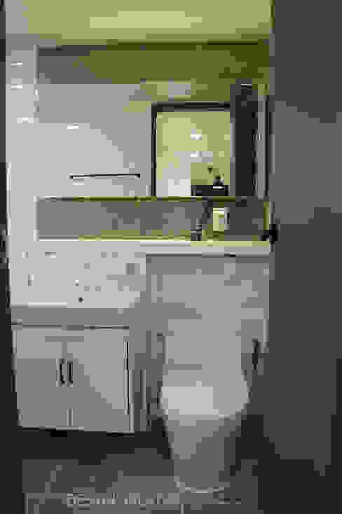 32평 초원대림아파트 리모델링 : 디자인브리드의  욕실,모던
