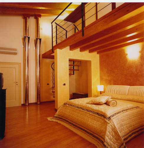 Camera matrimoniale ospiti STUDIO ARCHITETTURA SPINONI ROBERTO Camera da letto moderna Legno massello Giallo