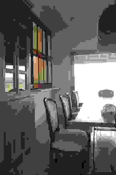 Salle à manger classique par Diego Porto Arquitecto Classique