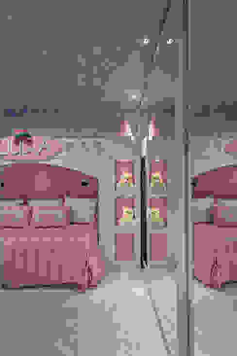 Apartamento Palazzo Quarto infantil moderno por Designer de Interiores e Paisagista Iara Kílaris Moderno MDF