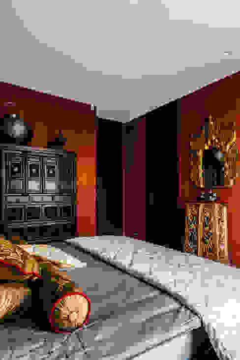 Colonial style bedroom by Ayuko Studio Colonial