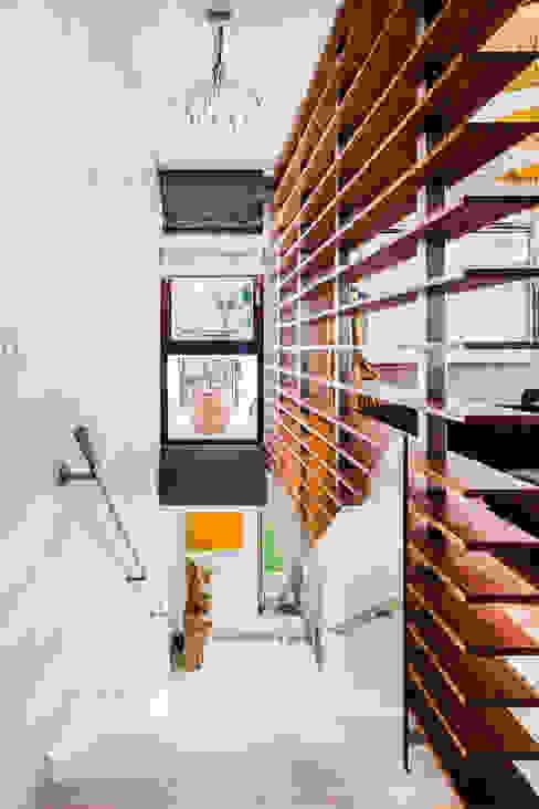 الممر والمدخل تنفيذ Ayuko Studio , إستعماري