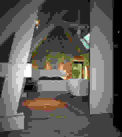 BRANDIVY Chambre moderne par NAI ARCHITECTURE Moderne