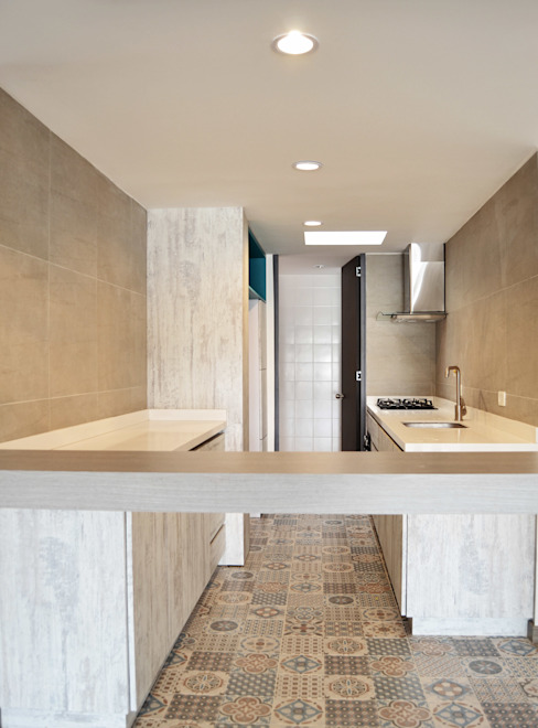 APARTAMENTO 104: Cocinas de estilo  por santiago dussan architecture & Interior design,