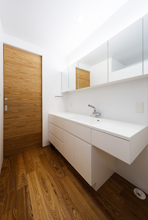 Bathroom by 一級建築士事務所haus,