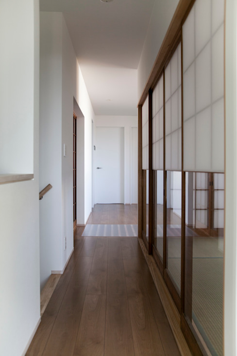西陣の家 オリジナルスタイルの 玄関&廊下&階段 の 村松英和デザイン オリジナル