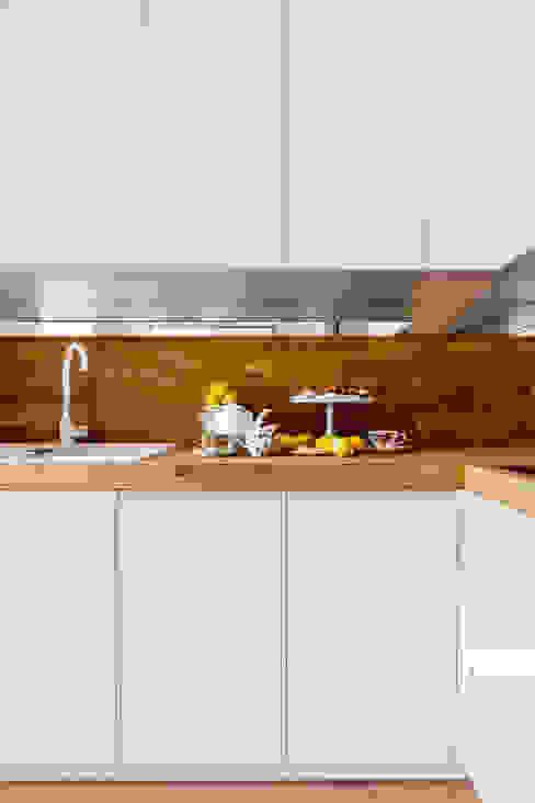 北欧デザインの キッチン の Ayuko Studio 北欧