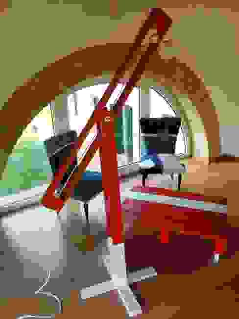 Riciclo :  in stile industriale di GarageBySilvio, Industrial Legno Effetto legno