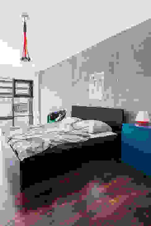 Our photoshoot of apartment design by Decoroom Architects 1 Nowoczesna sypialnia od homify Nowoczesny