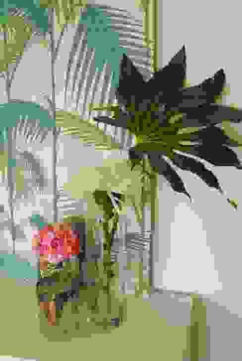 Pedaço de sol! - Decoração de sala de estar e jantar: Salas de estar  por White Glam,Moderno
